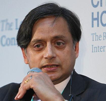 Shashi_Tharoor_2015